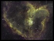 IC1805 in GOLD, der Herznebel, in Schmalband aufgenommen, Ha (Wasserstoff-alpha), OIII (ionisierter Sauerstoff), SII (ionisierter Schwefel) Belichtungszeit 3Stunden: 15x4Min Ha, 15x4Min OIII, 15x4Min SII, TSAPO102@f5.5, ASI1600MMPRO